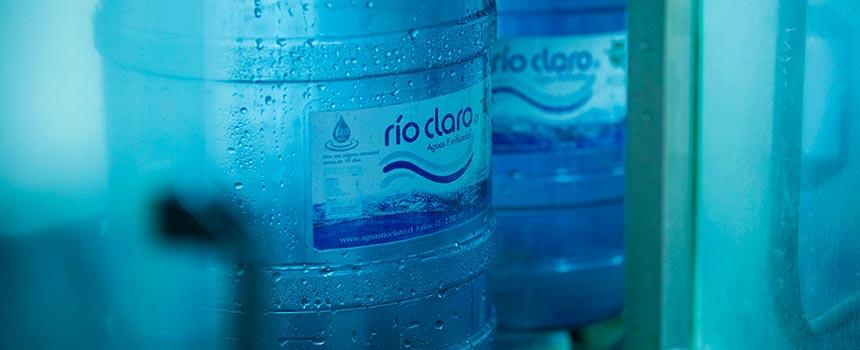 """Aguas Río Claro: """"Es segura el agua que bebemos""""."""